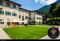 """#Villa Bortolazzi.  """"Ricchi si diventa, eleganti si nasce.""""  Honoré de Balzac Villa, Mansions, House Styles, Home Decor, Decoration Home, Manor Houses, Room Decor, Villas, Mansion"""