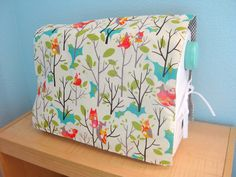 reversible sewing machine cover,  this is a solution to which fabric to choose :)