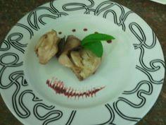 Codornices confitadas con frito de remolacha. Si quieres ver cómo prepararlas, sigue el enlace