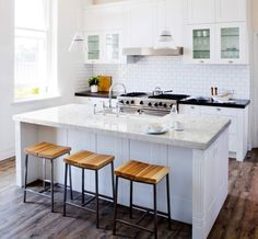 Artistic Thinkglass Countertop Can Transform Your Kitchen