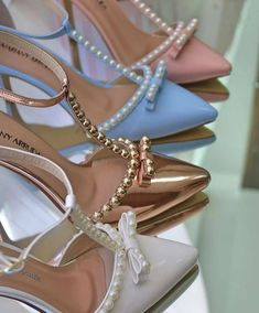 Half Shoes, Me Too Shoes, Fashion Slippers, Fashion Shoes, Pretty Shoes, Beautiful Shoes, Shoes Heels Wedges, Women's Shoes Sandals, Star Shoes