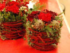 julbukett - Cerca con Google Christmas Wreaths, Holiday Decor, Google, Home Decor, Christmas Swags, Homemade Home Decor, Holiday Burlap Wreath, Interior Design, Home Interior Design