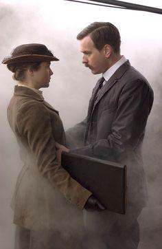 Beatrix Potter (Renee Zellweger) and Norman Warne (Ewan McGregor) in 'Miss Potter' 2006.