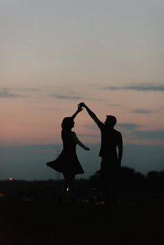 Romantic date night under the stars. Spontaneous couples pictures in a black dre… Romantic date night under the stars. Spontaneous couples pictures in a black dress Night Photography, Couple Photography, Landscape Photography, Portrait Photography, Nature Photography, Photography Aesthetic, Photography Tips, Romantic Couples Photography, Photography Settings