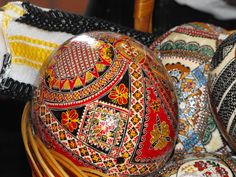 Romania Ukrainian Easter Eggs, Faberge Eggs, Egg Art, My Heritage, Romania, Fashion Art, Folk Art, Artsy, Costume