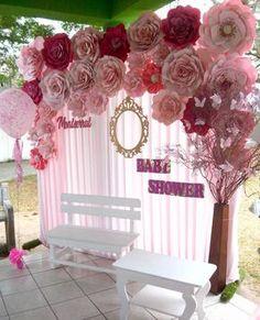 """""""Recupera la magia que existe dentro de tí, deja de combatirla, de temerle, de ignorarla""""... Lindo dia . . . Panel de flores #dugorche en tonos rosa pastel y fucsia colocadas sobre tela plisada en tono rosa y detalle de marco de espejo dorado, nombre en mdf y ramas con maripositas de papel...Bello y tierno #photostage para celebración de #babyshower Mil,Mil,Mil gracias por esta oportunidad de trabajo... . ."""
