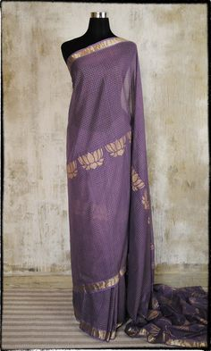 Will be a prou owner shortly of this fatherland.in beauty!  h25 Mulmul Hand Woven Pure Cotton Sari With Artisan Screen Work