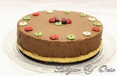 Si estás harto de no poder hacer muchas tartas porque necesitas horno y no tienes, mira estas recetas de pasteles que se hacen sin usarlo y que ha reunido la autora del blog HOGAR Y OCIO.