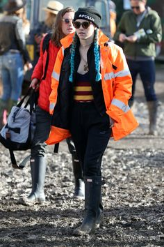 Glastonbury Festival 2016, Suki Waterhouse, Alexa Chung, Festival Fashion,  June 24, 51a89d3848