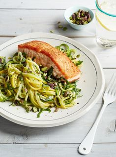 Search results for 'salmon and squash noodles' Healthy Family Dinners, Healthy Meals For One, Healthy Eating, Clean Eating, Easy Dinners, Healthy Foods, Squash Noodles, Veggie Noodles, Zucchini Noodles