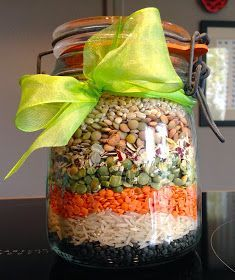 Pleasure This is the right soup! last minute gift i Gourmet Gifts, Food Gifts, Food Hampers, Diy Holiday Gifts, Veggie Tray, Cookie Gifts, Meals In A Jar, Jar Gifts, Snack