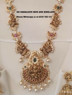 Jewerly wedding necklace accessories for 2019 Gold Earrings Designs, Gold Jewellery Design, Gold Jewelry, India Jewelry, Temple Jewellery, Indian Wedding Jewelry, Bridal Jewelry, Gold Set, Schmuck Design