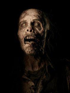 The Walking Dead - Season 4 - Walker (Zombie) season 4 2013 promo photo Arte Zombie, Zombie Art, Zombie Makeup, Zombie Pics, Sfx Makeup, Walking Dead Season 4, Walking Dead Zombies, Fear The Walking Dead, Amc Walking Dead