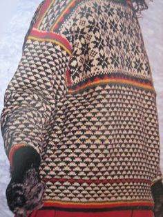 YARN JUNGLE: Nordic knitting. pullover sweater
