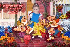 Fotomontagem com a foto da criança e os 7 anões da Branca de Neve