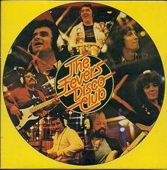 1979, l'apogée du Disco, avant le déclin des années 80. The Fevers ont osé l'album ultime, l'album The Fevers Vol. 15 Disco Club (1979), un album entièrement dédié à la musique Disco qui propose quelques reprises des années 78 avec ce décalage d'un an....