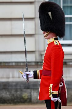 Watch the Changing of the Guards in London | 83 Travel Experiences to Have While You're Alive and Breathing