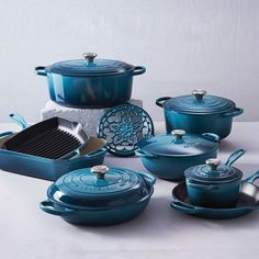 Le Creuset Ultimate Cast Iron Set - Since Le Creuset's unsurpassed craftsmanship and vibrant color palette have earned the loyalty of cooks around the world. Le Creuset Cookware, Cookware Set, Le Creuset Set, Classic Wedding Gifts, Cast Iron Set, Vase Deco, Valentines Day Gifts For Him, Dog Treat Recipes, Kitchen Gadgets