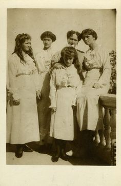 Empress Alexandra and the four Imperial Grand Duchesses, Olga, Maria, Tatiana & Anastasia.