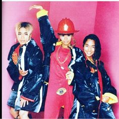 Every time I see this pic it cracks me up & makes me smile! It was a set up lol TLC Burning UP the Charts and Burning DOWN the House was the headline! And lookie who's in the middle like yup I did it #gottaloveher #HAPPYBIRTHDAY #tlcForever #tlc #tboz #tbeezy #tlcarmy