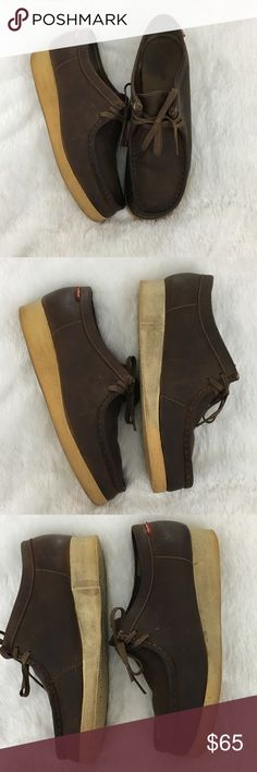 🆕Men's Clarks Brown Wallabee Beeswax Original Men's Clarks Brown Wallabee Beeswax Originals Moccasin Shoes with Crepe Sole. Genuine leather upper. Size 9.5. Leather is in excellent condition. Soles are a bit discolored but not too noticeable when being worn. Not worn down at all. Tons of life left in these. These were built to last! I've already discounted price for imperfections!! ❌NO TRADES❌NO LOWBALLING ❌ Clarks Shoes Chukka Boots