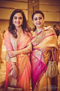Photographer - The Celebrity Wedding! Photos, Hindu Culture, Beige Color, Mangtika, Antique Jewellery, Gold Jewellery pictures, images, vendor credits - Divya Vithika Wedding Planners, Sabyasachi Couture Pvt Ltd, The Wedding Story, WeddingPlz