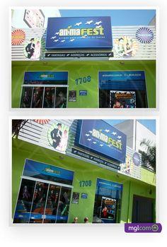 A mglcom produziu para o cliente Animafest os adesivos para testeira, as faixas de segurança para porta de vidro e também as placas que personalizaram a fachada da loja.     Em nosso blog você fica sabendo de tudo sobre esse trabalho: http://www.mglcom.com.br/blog/2012-10-30-adesivos-e-placas-animafest