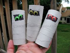 Mummy crafts are some of the absolute cutest Halloween crafts out there. They are really easy to make, even for little kids, and they are also very forgiving. If you make a mistake, it's hard Halloween Activities For Kids, Halloween Crafts For Kids, Cute Halloween, Art Activities, Mummy Crafts, Puppet Crafts, Egyptian Crafts, Egyptian Art, Diy Arts And Crafts