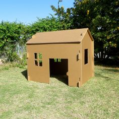 בית מקרטון ענק לצביעה ומשחק, מתאים כערכת יצירה מדליקה לאירוע עם ילדים