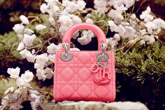 Enter the world of Baby Dior, browse the girls' ready-to-wear collection and watch the film. Discover chic garments for elegant little girls and buy online. Women's Crossbody Purse, Crossbody Shoulder Bag, Chain Shoulder Bag, Small Shoulder Bag, Christian Dior, Dior Handbags, Dior Bags, Coach Handbags, Coach Bags