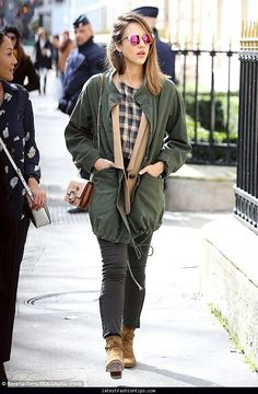 54992db8e5 Jessica Alba wearing The Great.Military Parka
