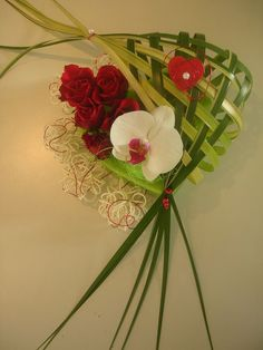 ST_VALENTIN_2009_et_photos_de_fleurs_025 Art Floral, Deco Floral, Floral Design, Photo St Valentin, Valentine Day Gifts, Valentines, Ikebana, Flower Cards, Red Roses