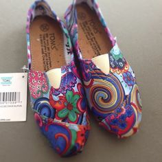 #shoes #toms #mujer #zapatos #calzado #woman #latina #fashion #moda #style #casual #original #elregalodemamaestaencuartaetapa #cccuartaetapa Lula Local 304