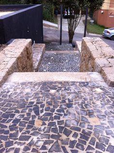 Escada em granito e pedra portuguesa!!