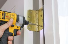 Fixing Common Door Problems - Door rubs or doesn't close properly? If so, this tutorial covers all the issues and explains how to fix them. Car Tracking Device, Handyman Projects, Amazing Life Hacks, Diy Home Repair, Home Repairs, Baseboards, Home Improvement Projects, Home Remodeling, Woodworking