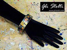 Bracciale artigianale in legno decorato a mano con carta riso giapponese a tema floreale. Vai al link per tutte le info: http://glistolti.shopmania.biz/compra/bracciale-in-legno-decorato-con-carta-riso-giapponese-a-tema-floreale-361 Gli Stolti Original Design. Handmade in Italy. #glistolti #moda #artigianato #madeinitaly #design #stile #roma #rome #shopping #fashion #handmade #style #bijoux