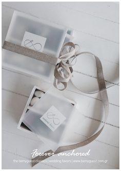 wedding giveaway gifts | greek island | custom made events | wooden box printed plexiglass | summer wedding | www.bemyguest.com.gr