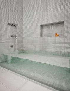 Mucha agua dentro de tu bañera, original