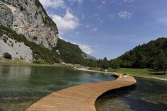Una vacanza a stretto contatto con la natura nel Parco Naturale Adamello Brenta.