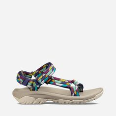 Shop our collection of Women's Hiking Sandals, including the Hurricane and get the most out of your next adventure with lasting durability and comfort from Teva®. Hiking Sandals, Travel Shoes, Plus Size Girls, New Balance Women, Photography Women, Luxury Shoes, Types Of Shoes, Discount Shoes, Shoes Online