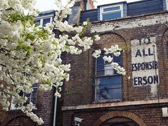 london signage