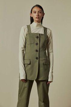 Paris Georgia Basics ready-to-wear autumn/winter '17/'18 - Vogue Australia