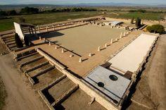 En las ciudades romanas, el Fórum era el espacio destinado a acoger las manifestaciones más importantes de la socieda...