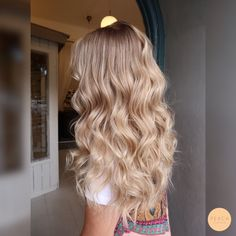 blonde hair 60 Fresh Spring Hair Colors For The REAL Fashionistas Ombre Hair, Cheveux Beiges, Blonde Hair Looks, Spring Hairstyles, Everyday Hairstyles, Blonde Balayage, Blonde Ombre, Beige Blonde Hair, Champagne Blonde Hair