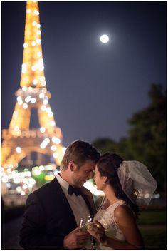 Romantic wedding in Paris in front of Eiffel Tower Paris Wedding, Dream Wedding, Wedding Night, Wedding Dreams, Couple Photography, Wedding Photography, Wedding Photoshoot, Photoshoot Ideas, Paris Couple