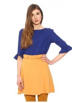 Skirt Cloe Mustard - Pepaloves - Flared skirt cut. Waves detail at the waist. Zipper on the side. Mustard color