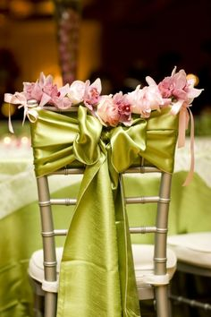 Satin Chair Bows with flower garland Wedding Chair Decorations, Wedding Chairs, Wedding Table, Wedding Reception, Our Wedding, Trendy Wedding, Chair Bows, Chair Sashes, Festa Party