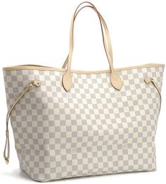 """I love you LV Never Full...even with all my junk you are """"never full"""" :)  I want another one in the darker color!"""