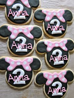 Minnie Mouse Cookies  party ideas and inspiration  #minniemouse  birthday