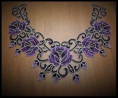 Faux col à coudre en dentelle brodé violet et noir fleurs - customisation - couture - tricot - embellissement - costume vénitien - fourniture mercerie.